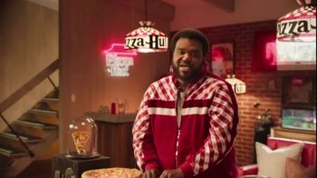 Pizza Hut TV Spot, 'Vinyl' Featuring Craig Robinson, Song by Trap Beckham - Thumbnail 4