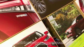 2021 Toyota Highlander TV Spot, 'Turn Heads' [T2] - Thumbnail 6