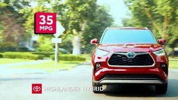 2021 Toyota Highlander TV Spot, 'Turn Heads' [T2] - 2 commercial airings