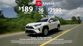 2021 Toyota RAV4 TV Spot, 'Ultimate Adventure-Mobile' Featuring Danielle Demski, Ethan Erickson [T2] - Thumbnail 8