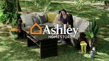 Ashley HomeStore Spring Semi-Annual Sale TV Spot, '25% Off Storewide & Special Financing: Bed' - Thumbnail 1