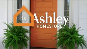 Ashley HomeStore Spring Semi-Annual Sale TV Spot, '25% Off Storewide & Special Financing: Bed' - Thumbnail 6