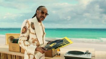 Corona Extra TV Spot, 'Record Player' Featuring Snoop Dogg, Song by Amanaz