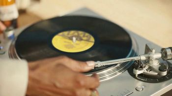Corona Extra TV Spot, 'Record Player' Featuring Snoop Dogg, Song by Amanaz - Thumbnail 5