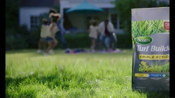 Scotts Turf Builder Triple Action TV Spot, 'It's Lawn Season' - Thumbnail 9