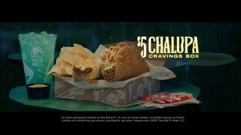 Taco Bell $5 Chalupa Cravings Box TV Spot, 'Antojos más salvajes: barco' [Spanish] - Thumbnail 8
