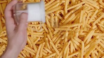 Arby's $1 Crinkle Fries TV Spot, 'Fry Scoop' Song by Sugar Ray - Thumbnail 5