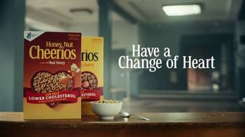 Cheerios TV Spot, 'Happy Drill Sergeant: Multi Grain With Real Strawberries' - Thumbnail 9
