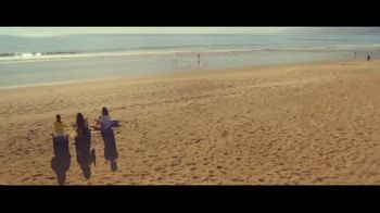 Stella Artois Solstice Lager TV Spot, 'Smooth' - Thumbnail 10