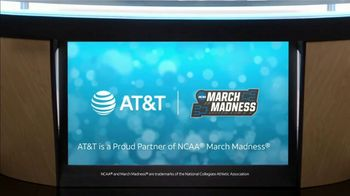 AT&T Wireless TV Spot, 'Lily Uncomplicates: Zone Defense' - Thumbnail 10