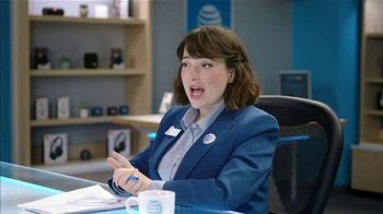 AT&T Wireless TV Spot, 'Lily Uncomplicates: Zone Defense' - Thumbnail 5