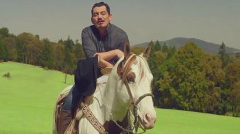estrellacash.com TV Spot, 'Caballo' con José Manuel Figueroa [Spanish]