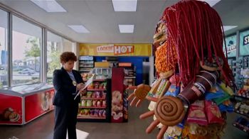 AmPm Bacon, Egg and Cheese Croissant TV Spot, 'Breakfast Sandwich at Large' - Thumbnail 2