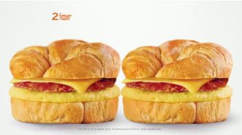 AmPm Bacon, Egg and Cheese Croissant TV Spot, 'Breakfast Sandwich at Large' - Thumbnail 6