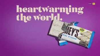 Hershey's Cookies 'n' Creme TV Spot, 'More Cookies' - Thumbnail 9