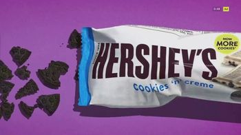 Hershey's Cookies 'n' Creme TV Spot, 'More Cookies' - Thumbnail 3
