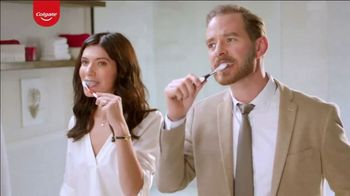Colgate Optic White Renewal TV Spot, 'Learning Spanish'