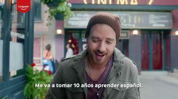Colgate Optic White Renewal TV Spot, 'Aprendiendo español' [Spanish] - Thumbnail 5