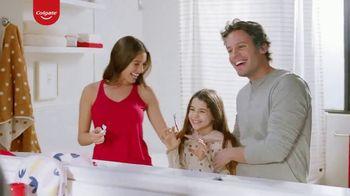 Colgate Optic White Renewal TV Spot, 'Nombrar a tu hija' [Spanish] - Thumbnail 7