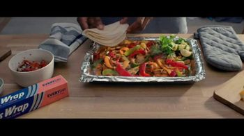 Reynolds Wrap TV Spot, 'Make Time With Reynolds Wrap: Play' - Thumbnail 6
