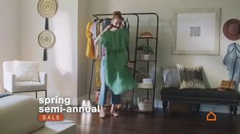 Ashley HomeStore Spring Semi-Annual Sale TV Spot, 'Fresh Styles' - Thumbnail 6