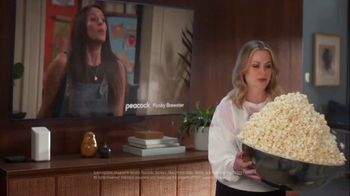 XFINITY TV Spot, 'Overflowing Popcorn: $34.99' Featuring Amy Poehler - Thumbnail 7