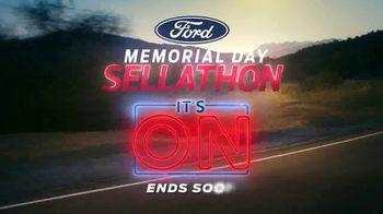 Ford Memorial Day Sellathon TV Spot, 'It's On' [T2] - Thumbnail 6