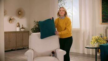 La-Z-Boy Memorial Day Sale TV Spot, 'Prank Wars' Featuring Kristen Bell - Thumbnail 5