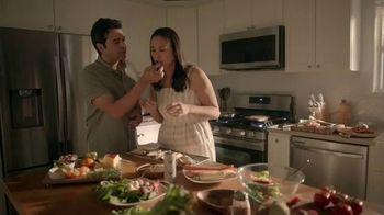 The Home Depot Memorial Day Savings TV Spot, 'Kick Off Your Summer' - Thumbnail 4