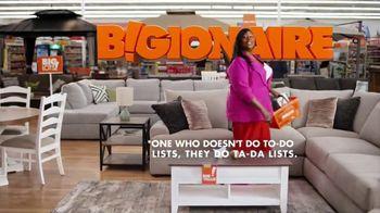 Big Lots Memorial Day Sale TV Spot, 'Bigionaire; Sectional' Featuring Retta - Thumbnail 3