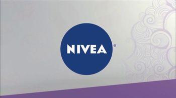 Nivea Breathable Body Lotion TV Spot, 'Ion Television: Simple Tips' - Thumbnail 8