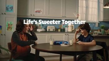 Oreo TV Spot, 'Life's Sweeter Together' Song by Gift of Gab - Thumbnail 9
