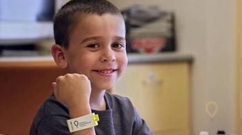 Children's Miracle Network Hospitals TV Spot, 'Amazing Places' Featuring Chris Pine - Thumbnail 5