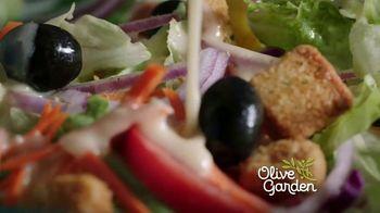 Olive Garden Never Ending Soup, Salad & Breadsticks TV Spot, 'Our Famous Never Ending First Course' - Thumbnail 2