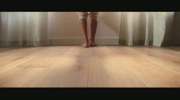 LL Flooring TV Spot, 'Bellawood Oak Floors: 24 Months Financing' Song by Electric Banana - Thumbnail 8