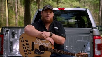 Ford TV Spot, 'Guitars 4 Vets: Coping with PTSD' Featuring Luke Combs [T1] - Thumbnail 5