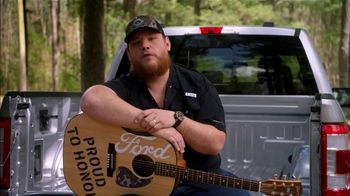 Ford TV Spot, 'Guitars 4 Vets: Coping with PTSD' Featuring Luke Combs [T1] - Thumbnail 6