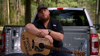 Ford TV Spot, 'Guitars 4 Vets: Coping with PTSD' Featuring Luke Combs [T1] - Thumbnail 8
