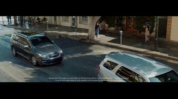 2021 Chrysler Pacifica Hybrid TV Spot, 'Split Second' [T1] - Thumbnail 3