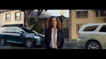 2021 Chrysler Pacifica Hybrid TV Spot, 'Split Second' [T1] - Thumbnail 7