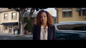 2021 Chrysler Pacifica Hybrid TV Spot, 'Split Second' [T1] - Thumbnail 8