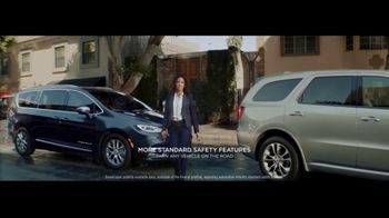 2021 Chrysler Pacifica Hybrid TV Spot, 'Split Second' [T1]