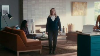 XFINITY TV Spot, 'The Bennetts Get to Work' Featuring Amy Poehler - Thumbnail 1