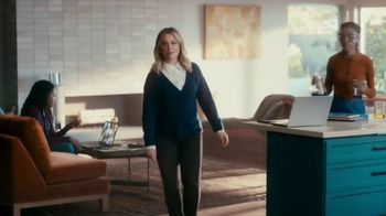 XFINITY TV Spot, 'The Bennetts Get to Work' Featuring Amy Poehler - Thumbnail 2