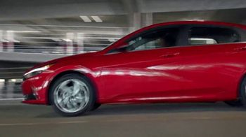 2021 Hyundai Elantra TV Spot, 'Never Tied Down' [T2] - Thumbnail 7
