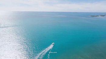 Corona Hard Seltzer TV Spot, 'Hola Beach Hunt' Song by Pete Rodriguez - Thumbnail 3