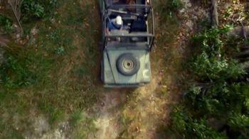 Corona Hard Seltzer TV Spot, 'Hola Beach Hunt' Song by Pete Rodriguez - Thumbnail 5