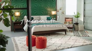 Ashley HomeStore Memorial Day Sale TV Spot, 'Extended: 50% Off and 0% Interest for 60 Months' - Thumbnail 8