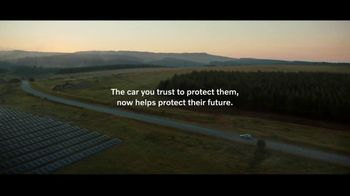 Volvo Summer Safely Sales Event TV Spot, 'Unplugged' Song by Squeak E Clean Studios, Kit Conway [T2] - Thumbnail 7