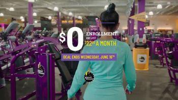 Planet Fitness Black Card TV Spot, 'Get Moving'